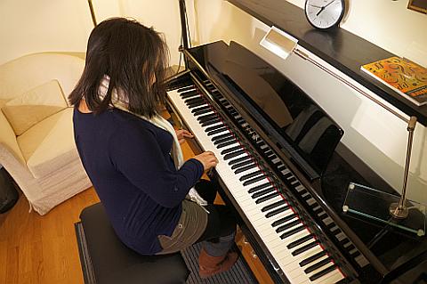 Klavierkurse in Wien für Anfänger und Fortgeschrittene! Lerne Klavierspielen bei einem erfahrenen Klavierlehrer!